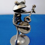 frog-sculpture-by-robosteel